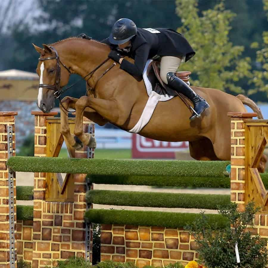Victoria Colvin riding Private Practice